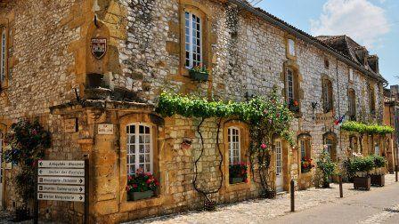 Sur la route des plus beaux villages de France
